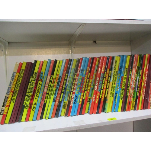 30 - Fifty two annuals to include Whoopee, Whizzer and Chips, Dandy, Beano and others from the 1970s and ...