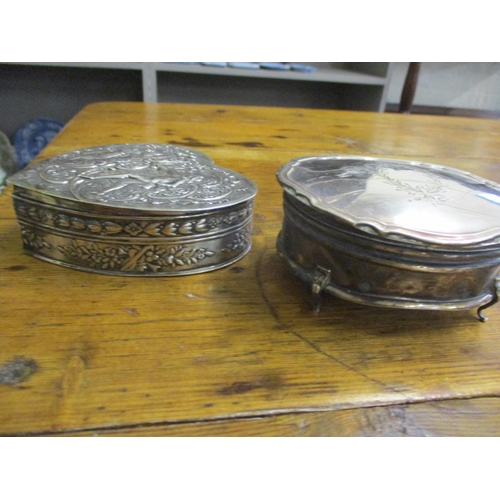 7 - Silver and white metal items to include an embossed continental trinket box, total weight 425g Locat...