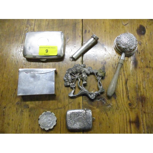 9 - A mixed lot of small silver and silver plated items to include a cheroot case with cheroot, a vesta ...