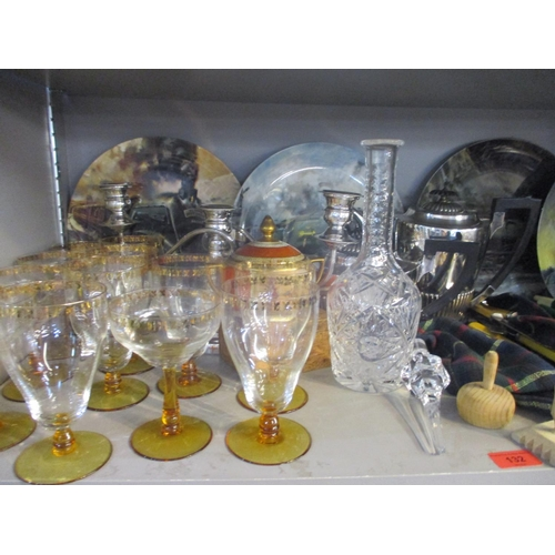 132 - Silver plated items, vintage glass, ceramics and treen, together with five Wedgwood collectors plate...