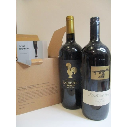 60 - A boxed wine breather and two 1.5l bottles of wine to include Galodoro Reserva 2016 and The Black St...