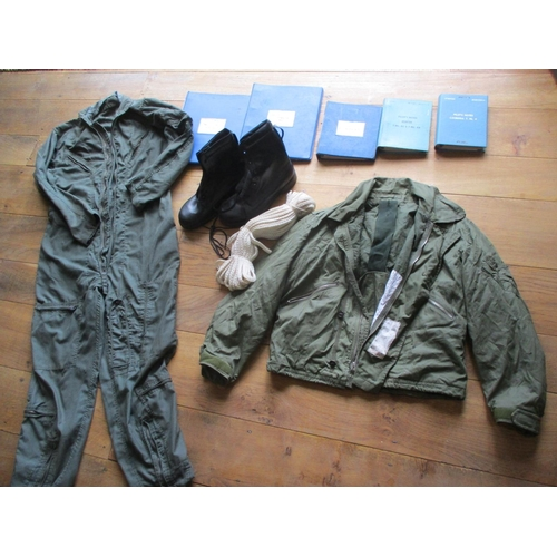 39 - An airman's flying overalls in green, 40/42