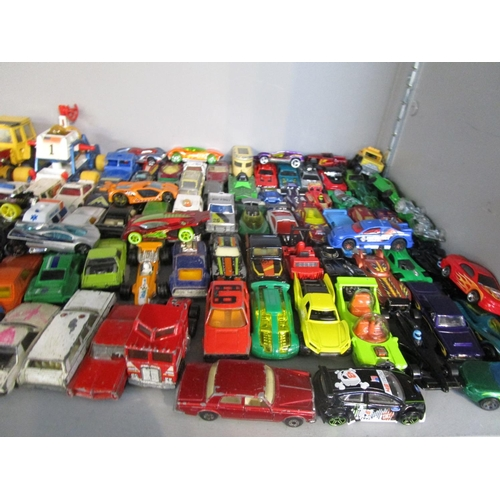70 - Approximately one hundred and seventy diecast cans Corgi Matchbox Mattel and others going back to 19...
