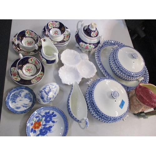 43 - A small quantity of vintage Wedgwood Etruria tableware, 19th century part tea service and mixed cera...