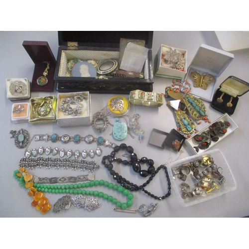 47 - A mixed lot of mainly costume jewellery to include silver rings, scrub bracelet, 19th century paste ...