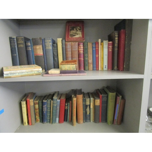 94 - A selection of miscellaneous books to include Dorothy L Sayers The Man to Be King Location: RWB...