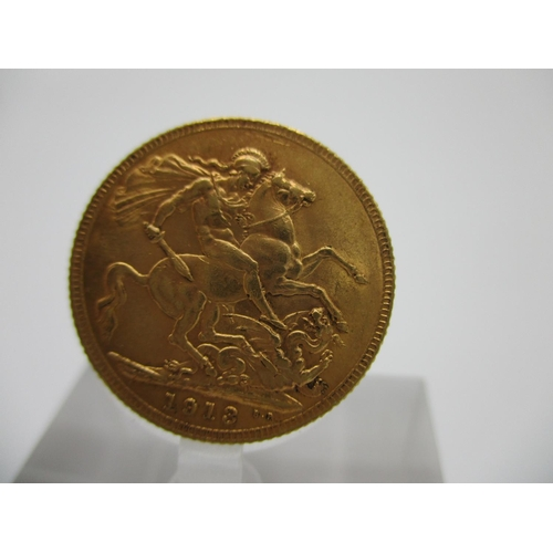 218 - A George V gold full sovereign with St George to the obverse 1913...