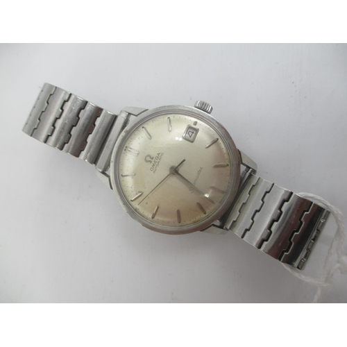 31 - An Omega Seamaster automatic stainless steel gents wristwatch c. 1965, having a silvered dial with b...