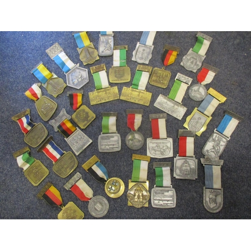 118 - Approximately thirty German medals from the 1970's by Heinrich Kissing 575 Menden presented mainly f...