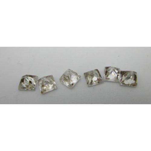 253 - Six loose princess cut diamonds, 0.71 total Location: CAB...