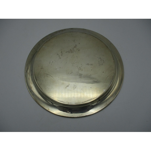 41 - A George V silver salver by James Dixon & Sons, Sheffield 1932, of circular form, weight 472 g, 26 c...