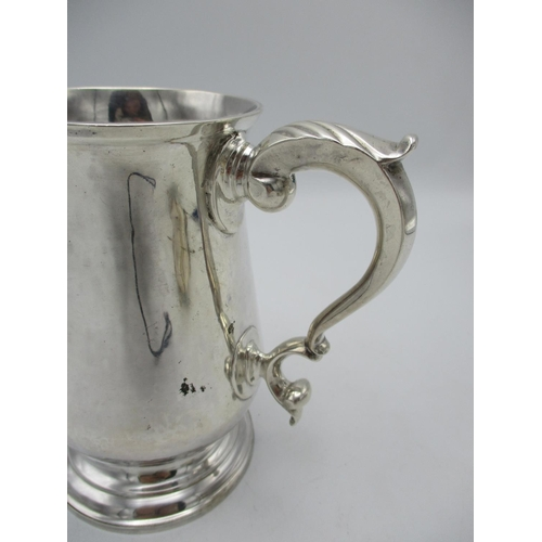 44 - A George III silver tankard by William Stephenson, London 1793, with baluster body and c scroll hand...