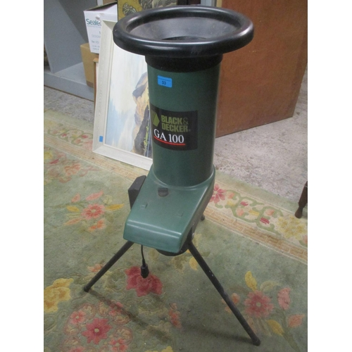 33 - A Black & Decker GA100 garden shredder Location: G...