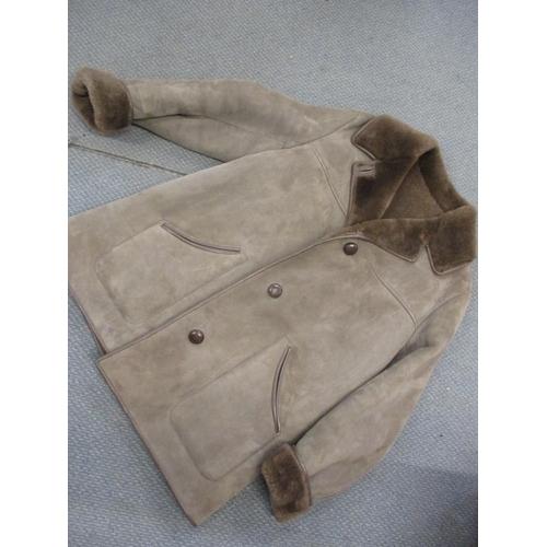111 - A Nurseys gents brown sheepskin coat 42