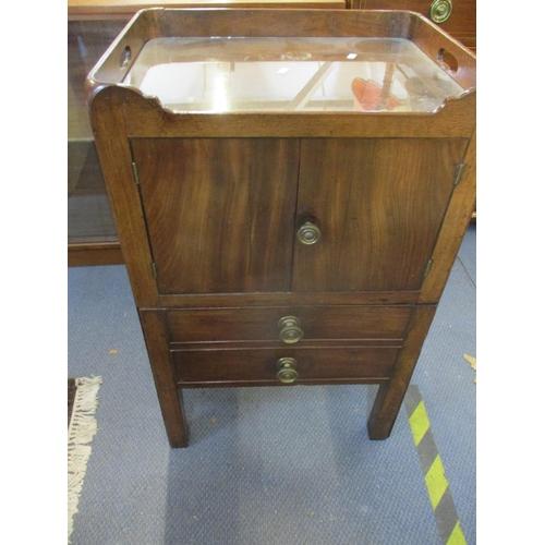 101 - A Georgian tray topped commode, internals altered, 81 h x 51 w x 42cm d Location: RWB...