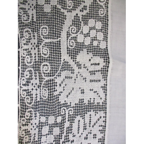 110 - A small quantity of tablecloths and napkins to include early 20th century tablecloths with crochet l...