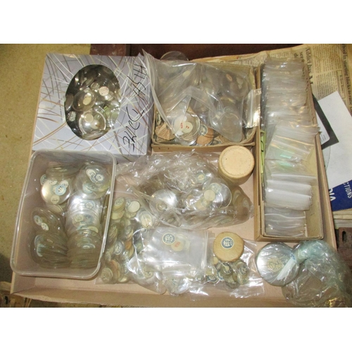293 - A large quantity of watch glass of various sizes Location: G...