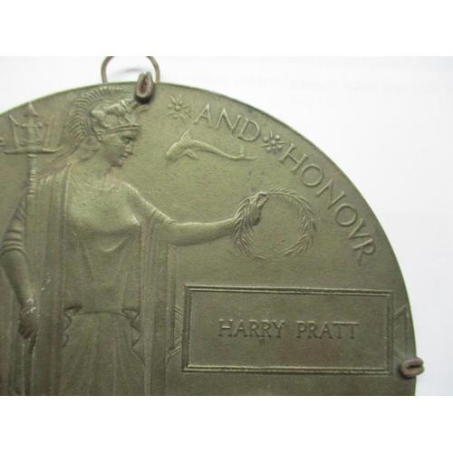 300 - A WWI memorial plaque inscribed harry Prat 12cm d Location: Cab...