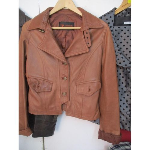 38 - An Italian Linea Pelle soft brown leather ladies jacket, Chest size 32