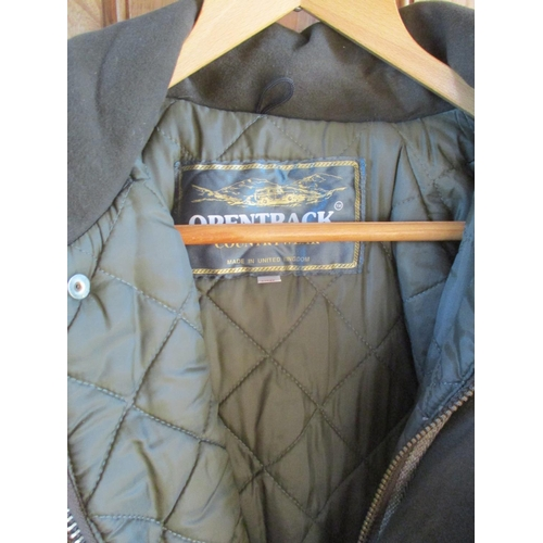 45 - An Opentrack Country Pursuit Derby Tweed outdoor jacket with padded lining, size XXL Condition: Stro...
