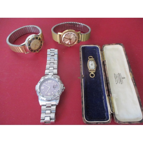 41 - A 9ct gold cased ladies wrist watch dial with two links, total weight 7.2 g together with a vintage ...