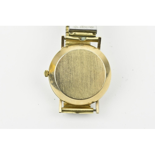 21 - A gents Avia - matic 25 jewels Incabloc 9ct gold cased wristwatch with a silvered dial having baton ...