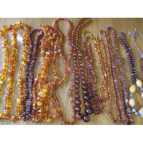 6 - A quantity of amber, amber style and vintage necklaces Location: RWB