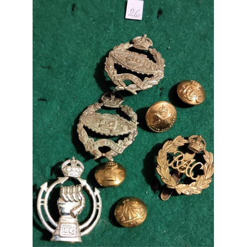 301 - Royal Armoured Corps and Tank Corps Cap Badges (4) with Buttons (4) including: Rough Riders, Machine...