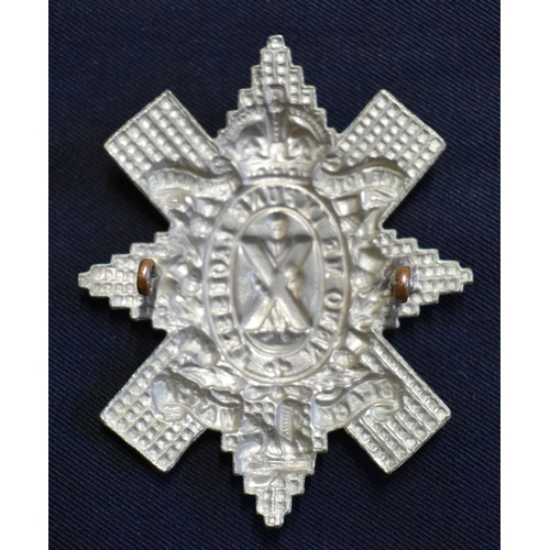 141 - The Black Watch (Royal Highlanders) Glengarry Badge (White-metal) type No.4 with the spelling 'Laces...