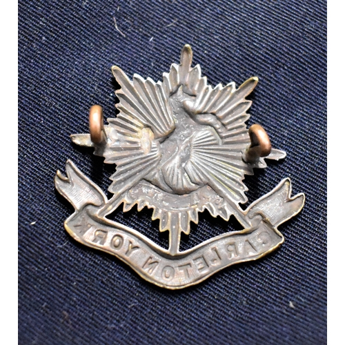 195 - The Carleton & York Regiment (Canada) Cap Badge (Bronze), lugs. Part of the 1st Battalion, The Royal...