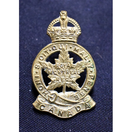 204 - Royal Montreal Regiment Canada WWII Cap Badge (Gilding-metal), lugs...