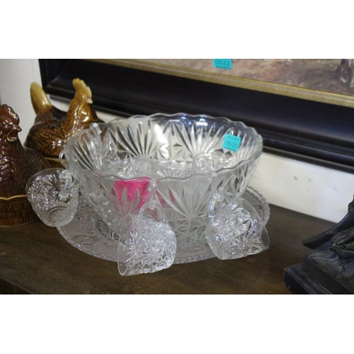 25 - Glass Punch Bowl with 11 Punch Cups...