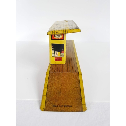 63 - Vintage Mettoy Tin Plate Station Platform &Booking Hall - In Great Condition....