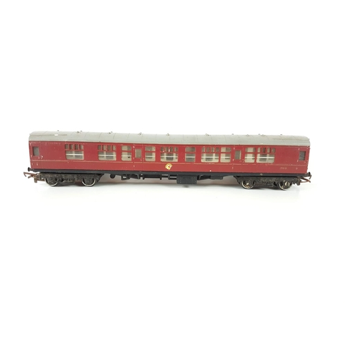 44 - A Set Of Three Hornby OO Gauge Maroon Railway Coaches....