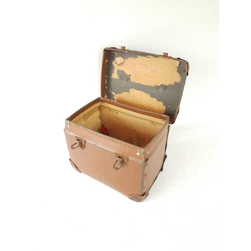 88 - A Vintage 1940's Carry Case In Good Condition....