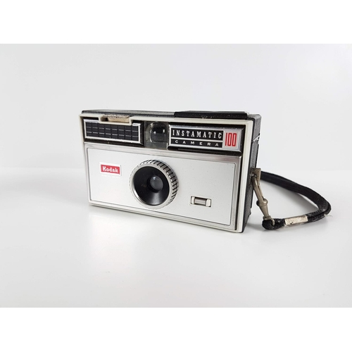 94 - A Retro Cased Kodak Instamatic 100 Camera....
