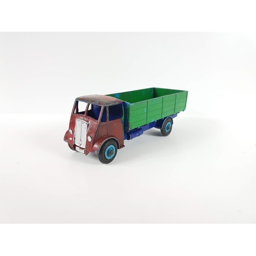 111 - A Dinky Super  Toys Guy 4 Ton Lorry - Lorry Has Been Repainted....