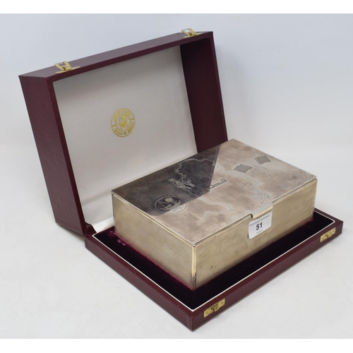 51 - A silver presentation casket, the top decorated a map of Qatar, Grant MacDonald, London 1989, 20 cm ...