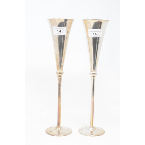 14 - A pair of modern silver champagne flutes, Britannia standard, Sheffield 2000, approx. 16.6 ozt, 30.5...