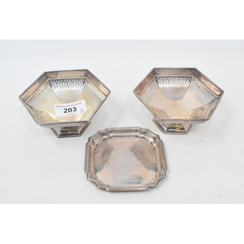 203 - A pair of silver bon bon dishes, Sheffield 1922, and a small silver tray, approx. 5.0 ozt (3)...