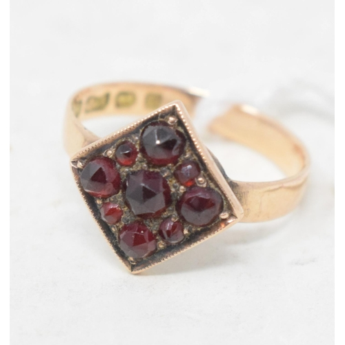 441 - A 9ct gold and garnet ring, approx. ring size L, assorted 9ct gold, approx. 3.8 g, and other jewelle...