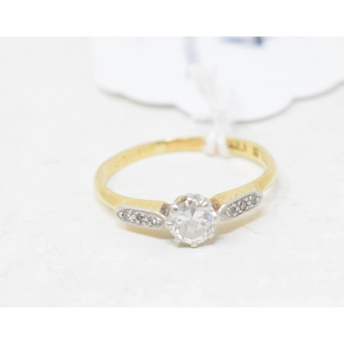 480 - An 18ct gold and solitaire diamond ring, approx. ring size O...