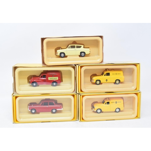 714 - Five Vanguards 1:43 scale model vehicles, all boxed, a Barnstable pottery vase, assorted Cockington ...