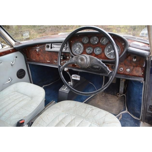 25 - LOT WITHDRAWN:  THIS LOT WILL NOW BE OFFERED IN OUR NOVEMBR AUCTION  A 1968 Bristol 410, registratio...