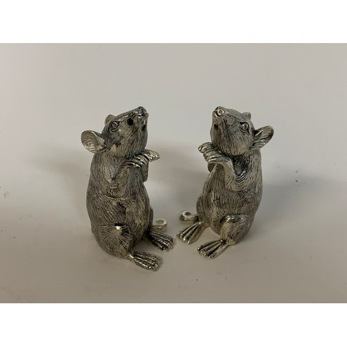 458 - A pair of mice salt and pepper pots