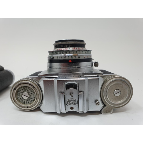 32 - A Braun Paxette camera and a Altix camera (2)  Provenance: Part of a vast single owner collection of...