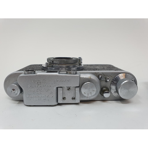 33 - A Saraber Finetta Super camera and a Russian camera (2)  Provenance: Part of a vast single owner col...