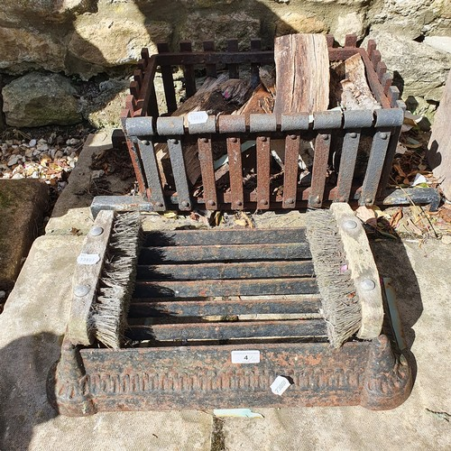 4 - A cast metal boot scrape, 51 cm wide, and a fire basket (2)