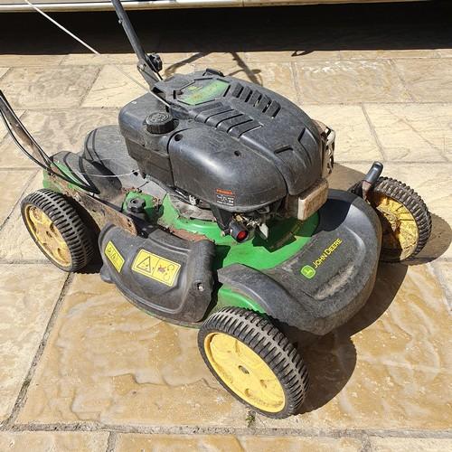 17 - A John Deere 189 cc OHV petrol lawnmower