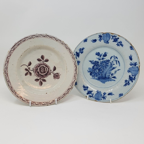 520 - A Delft polychrome plate, 29 cm diameter and four others (5)